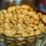 Cara Membuat Kacang Tanah Goreng Renyah dan Gurih