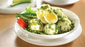 Cara Membuat Telur Bumbu Hijau Nikmat dan Pedas