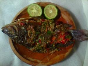 Cara Membuat Ikan Nila Bakar Cobek